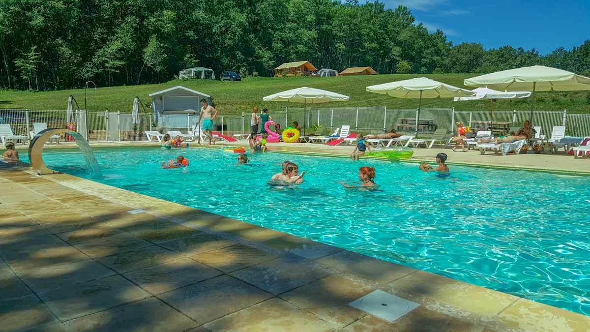 camping avec piscine perigord