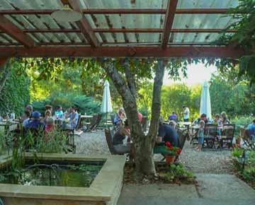 Restaurant avec terrasse camping Dordogne