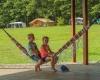 camping pour les enfants relaxant en dordogne