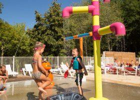 camping en perigord jeux d'eau enfants