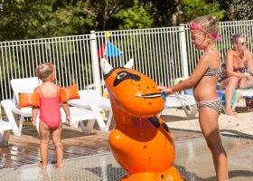 camping piscine enfants famille dordogne
