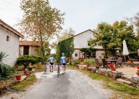 Vélo domaine de corneuil parc naturel