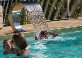 cascade camping avec piscine chauffée perigord