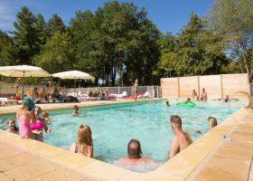 camping piscine chauffée jets massants perigord
