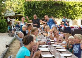 table d'hôte enfants camping perigord